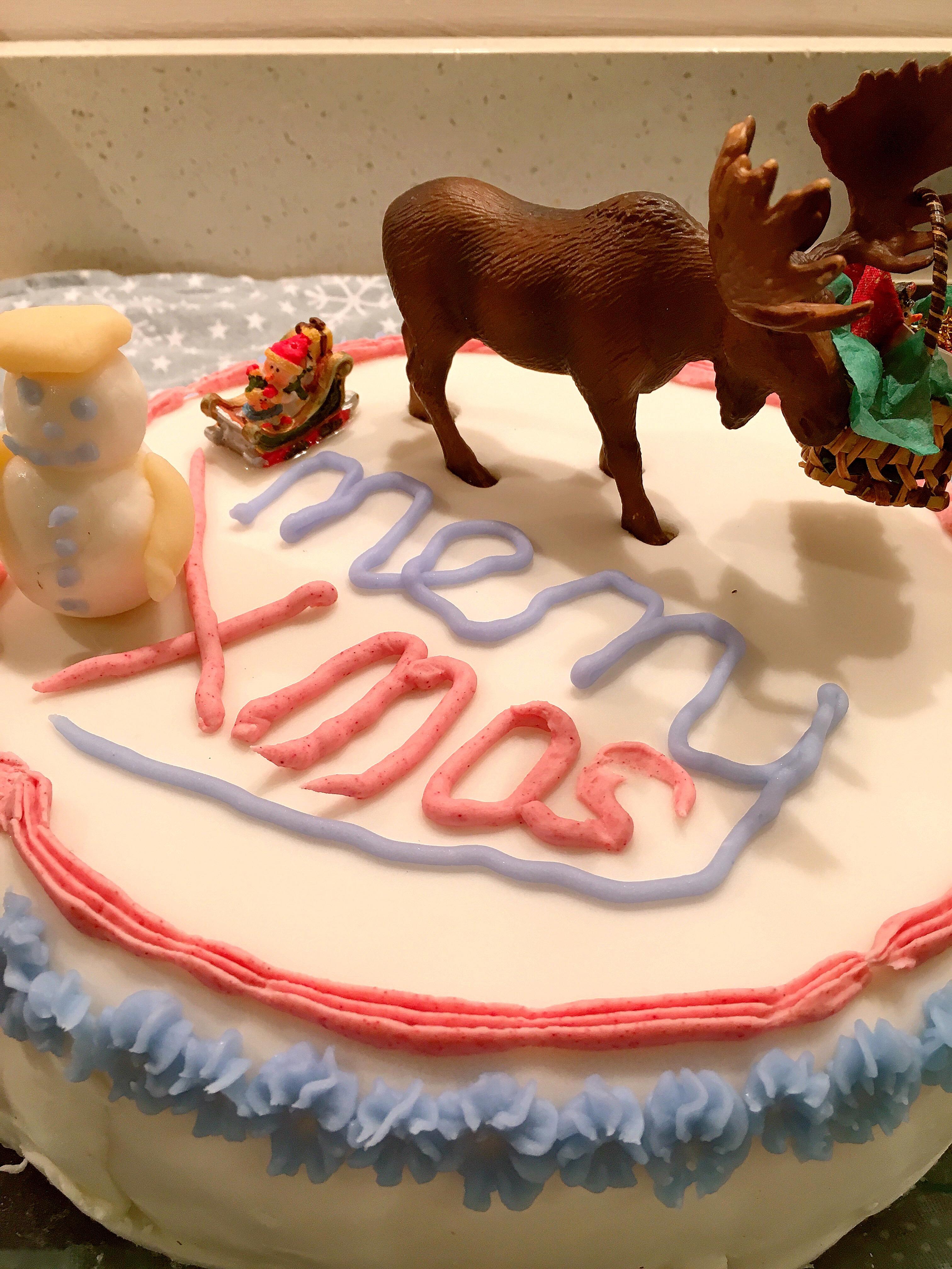 Oily cake for the anniversary: description, recipe, decorations, photo